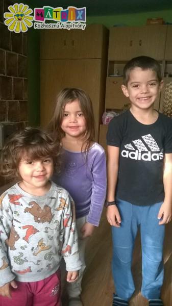 3kiskoru gyerek tartósan betegek és elkeseredt szüleik kér bárminemü segitséget