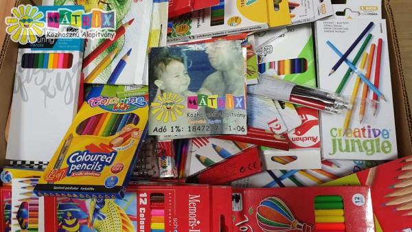 Írószer csomagra jelentkezhetnek iskolák