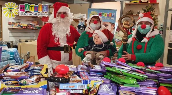 Mikulás: 500 család karácsony előtti támogatása