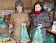 Decemberben nyolcszáz csomag tartós élelmiszert osztottunk ki