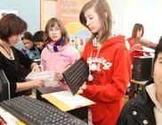 Számítógép Álom 2013: félszáz rászoruló gyermek kapott számítógépet