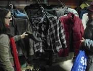 Napi 40-50 rászoruló kap ingyenesen ruhát és cipőt a Centerkéből
