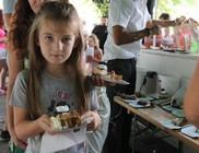 Süteményevés és tortakóstolás volt a gyerekek feladata