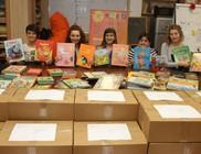 Ötezer mesekönyvet vittünk gyermekkórházakba