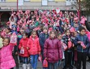 Ezer gyermeket ajándékozott meg az alapítványi Mikulás