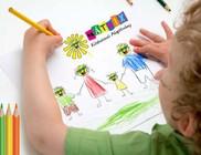 Ötezer ceruzát kapnak iskolakezdéshez rászoruló kisgyermekek