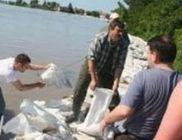 Segélyszállítmány érkezett Szegedről és Budapestről az árvíz súlytotta településekre