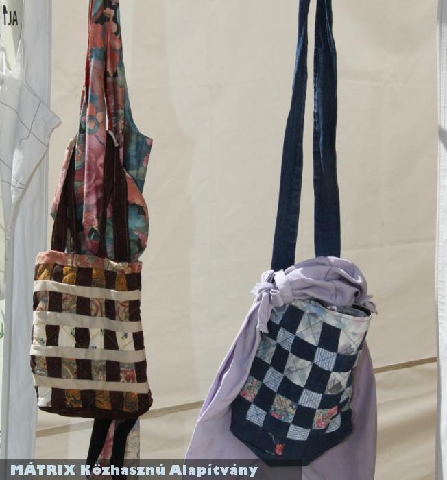 WARC2 - rongyokból portéka (táska)