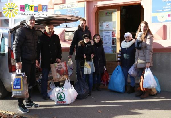 Naturtex-SZTE-Szedeák kosárlabda csapat jótékonysági adománya