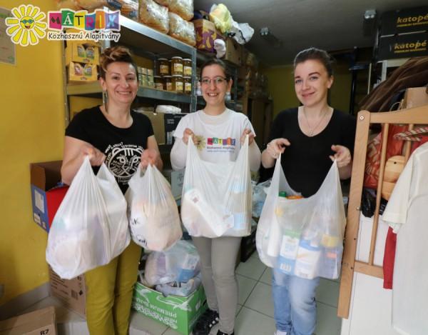 Élelmiszerosztós alapítványi önkéntes csapat