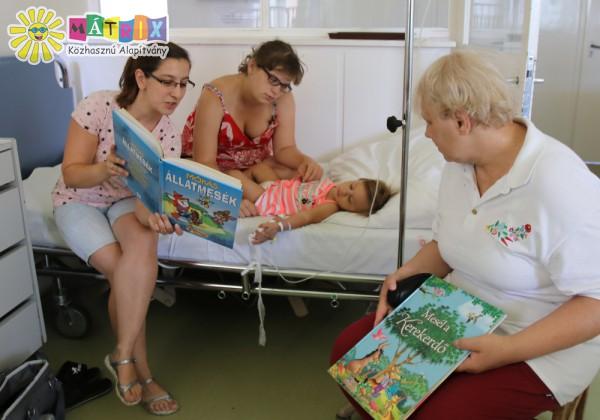 Mesedoktorok, meseolvasás gyermekkórházban