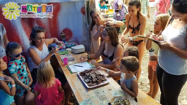 Gyermekek számára örömszerzés