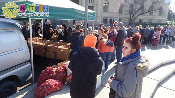 Élelmiszer adomány osztás