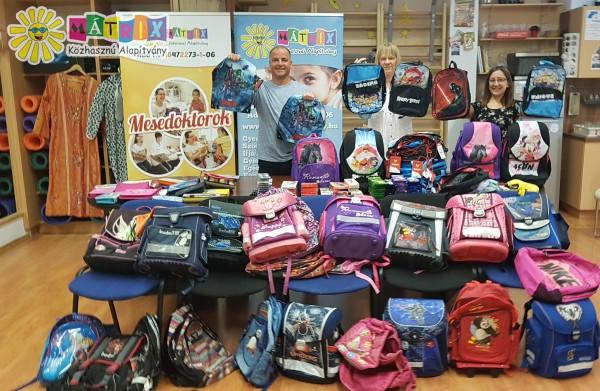 Iskolatáska, írószer adomány családtámogatás