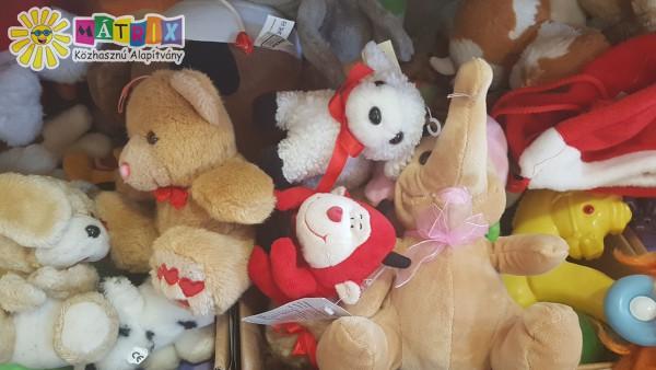 Plüss adomány, kisgyermekeknek