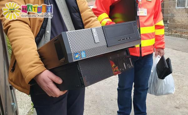 Számítógép adományozás - mentőállomás támogatása