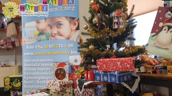 Alapítványi karácsony - 500 család támogatása