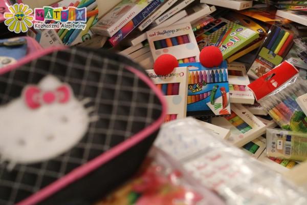 Ceruza, toll, füzet, tolltartó támogatás
