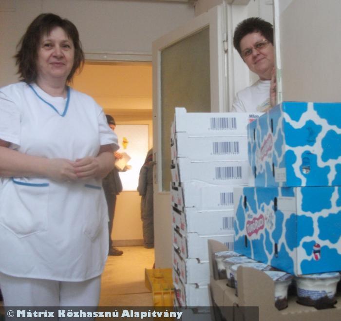 Az intézmény dolgozói örömmel fogadják a Mátrixos finom adományt