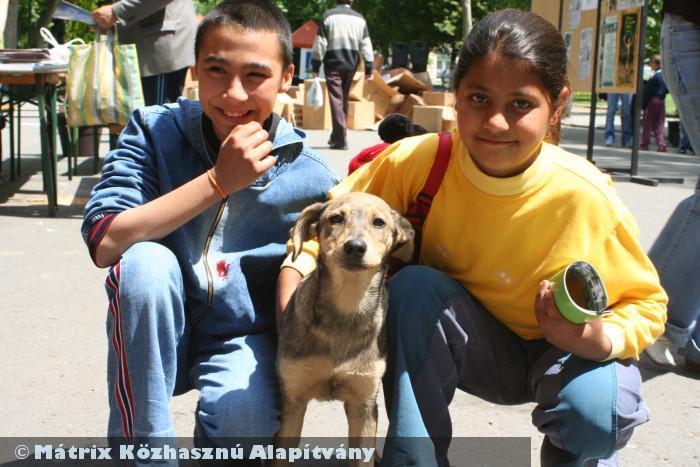 Segítünk a rászorulókon, hogy majd õk is segíteni tudjanak másoknak :-)
