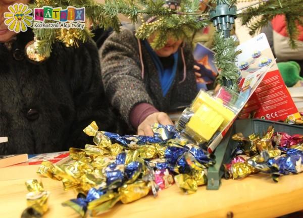 220 kiló szaloncukor került 2013 advent idején a rászorulókhoz
