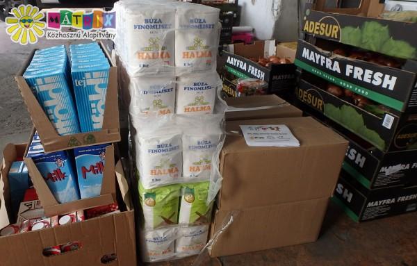 Adomány csomagokat osztottunk rászorulóknak