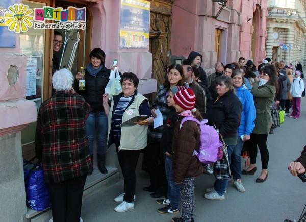 Családok százait segítettük élelmiszerhez - étkeztetést támogattunk