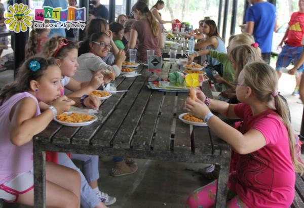 Ebédeltetés a Csodafaluban, SZIN 2015