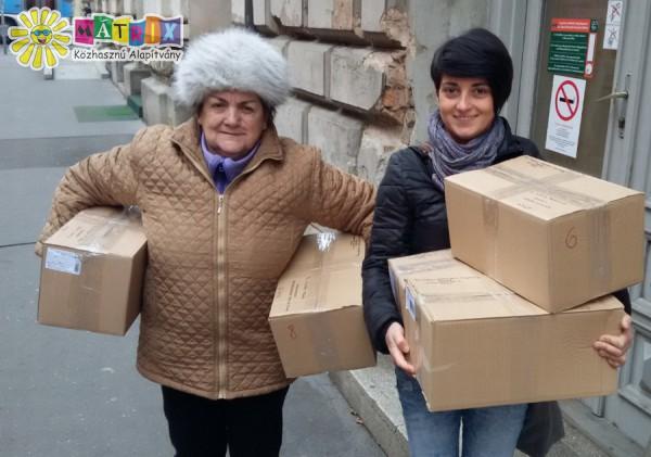 Élelmiszercsomagokat postáztunk