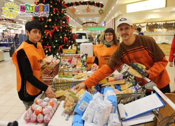 Élelmiszergyűjtés, adományosztás