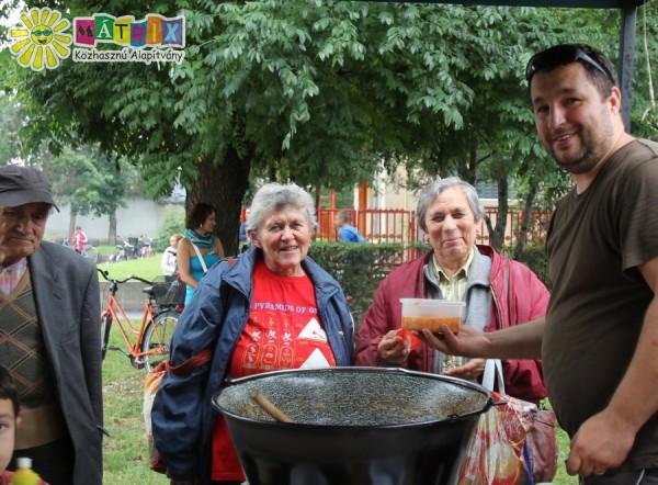 Ételosztás, élelmiszersegély a Mátrix Alapítványtól