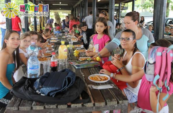 Gyermekétkeztetés, SZIN 2015, Csodafalu gyermektábor