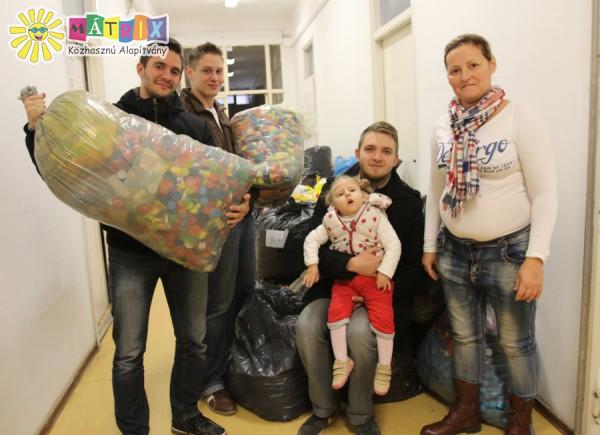 Kollégisták támogatták Dia kupakgyűjtését