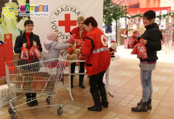 Magyar Vöröskereszt, Mikulásgyár támogatása