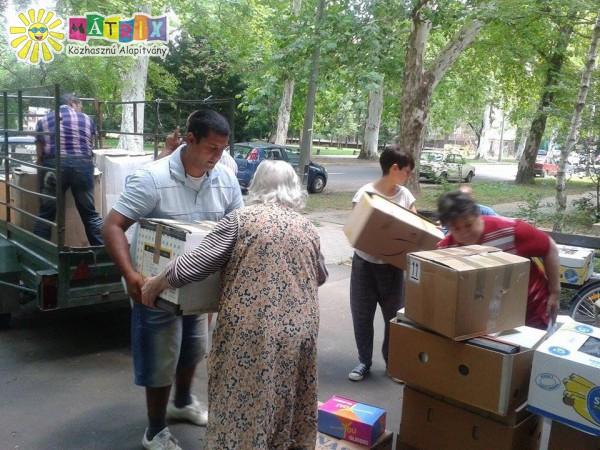 Mátrix Alapítványi segélyszállítmány rászorulóknak