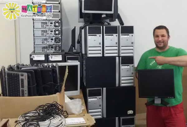 Számítógép adomány nagycsaládosoknak