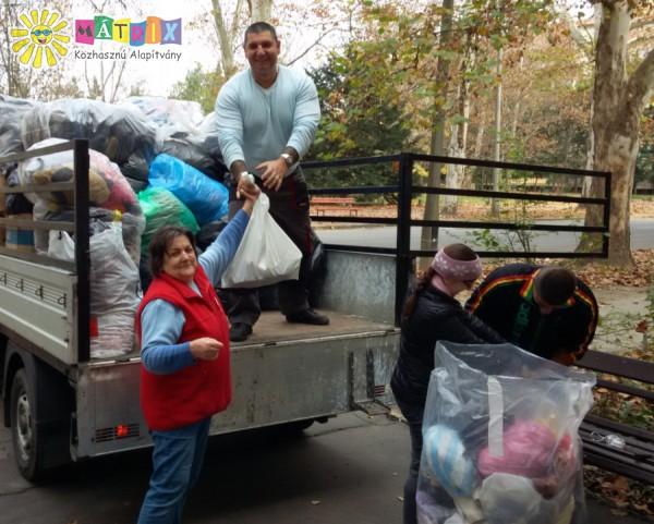 Tápióbicskeieknek juttattunk tonnányi ruhát és cipőt