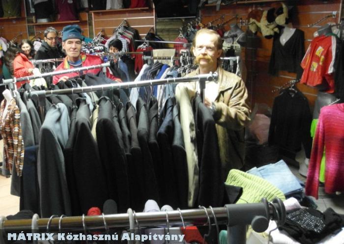 Centerke osztó központ - ruhaosztás rászorulóknak