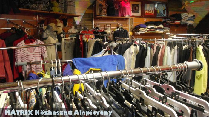 Ruhatár - rászorulóknak ingyen minõségi ruha osztás