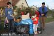 Fulókércsre vittünk adományt (ruhát, cipõt, játékokat)