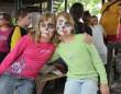 Arcokat festettünk a hátrányos helyzetű gyerekek szervezett táborbban