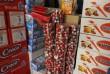 Ezer jótékonysági Mikulás csomaghoz vásároltunk élelmiszert