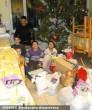 Bajban lévõ 17 család által lakott otthont támogattunk élelmiszerrel, játékkal
