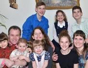 A 8 gyermekes Fedor család lakhatási támogatása